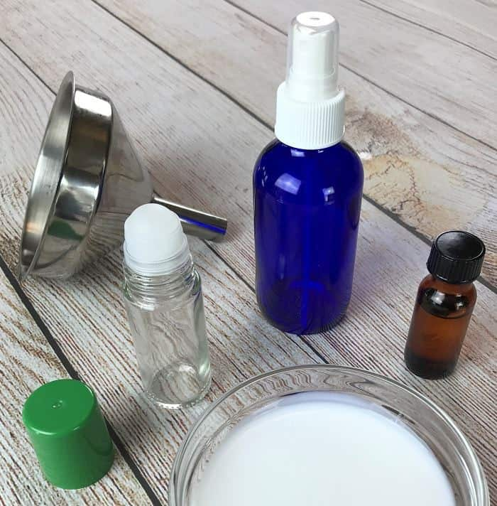 Natural essential oil deodorant recipe that REALLY WORKS. Cheap and easy to make with just 2 ingredients. Plus best essential oils for deodorants and 15 essential oil deodorant blends. #essentialoilrecipes #naturalDIY #essentialoilDIY #doterra #youngliving #oneessentialcommunity #naturalbeauty